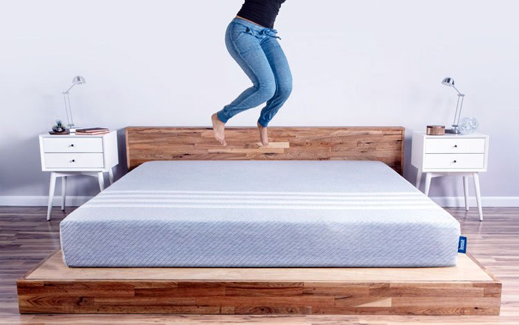 leesa-mattress-reviews-jump